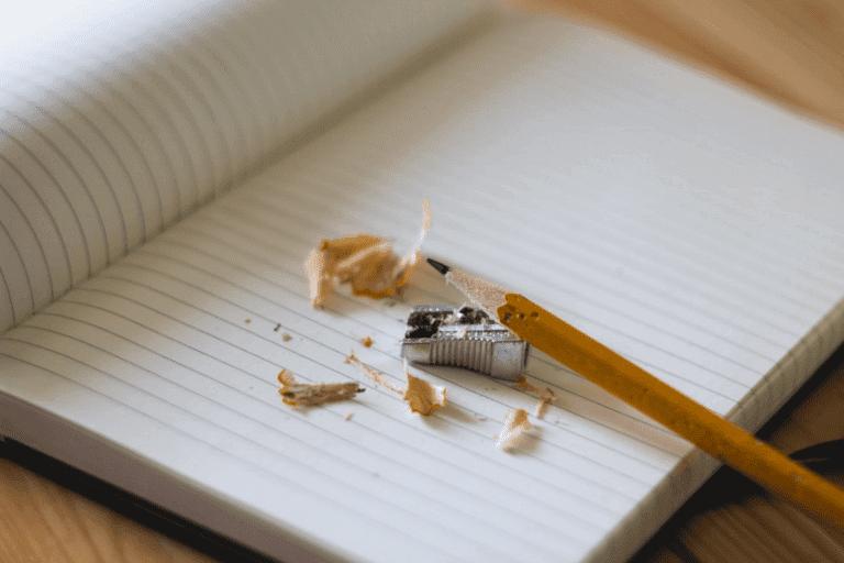 kynän teroittaminen