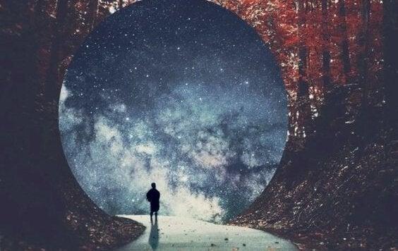 maailmankaikkeus edessä
