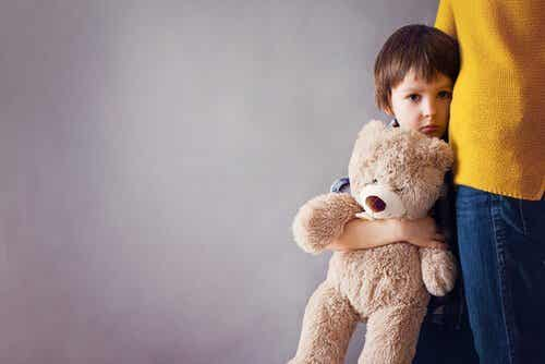 Mitä on vanhemmasta vieraantumisen oireyhtymä?