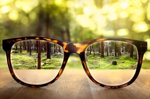 Vaaralliset juorut: silmälasit