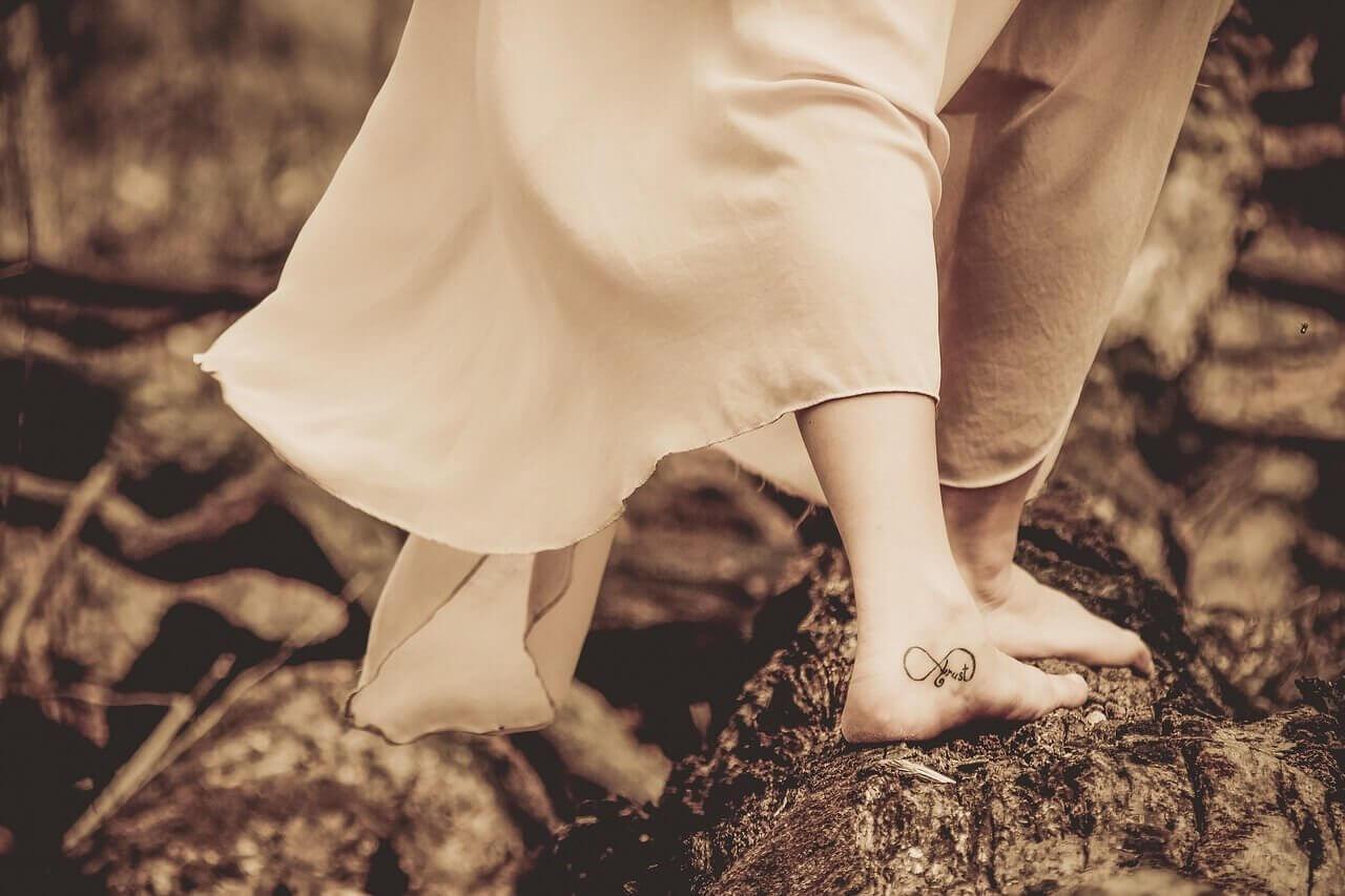 tatuointi jalassa