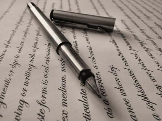 kynä ja kirjoitusta