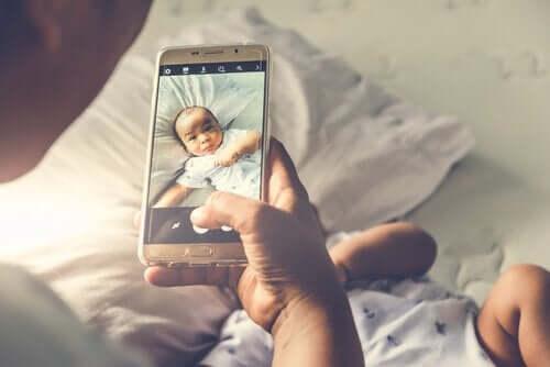 vauvan kuva somessa