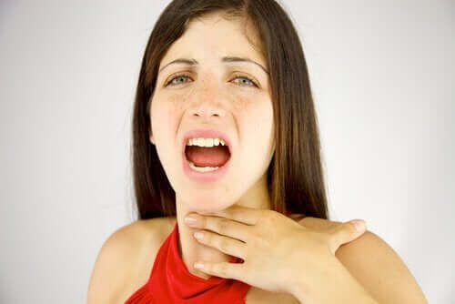 hysteerinen afonia aiheuttaa kurkun käheyttä
