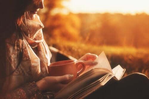 Elämäkertojen lukeminen hyödyttää psyykkisesti