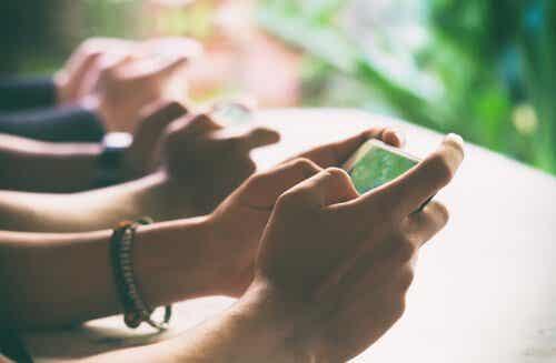 Digitaalinen detox: palauta yhteys todelliseen maailmaan
