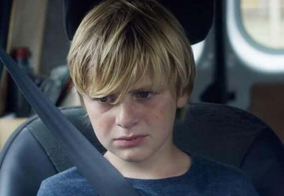 perheen poika elokuvassa Custody