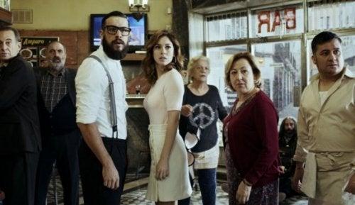 El Bar: ihmisluonnon järjettömyys