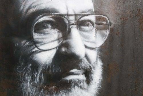 Fasismin psykologiset piirteet Umberto Econ mukaan