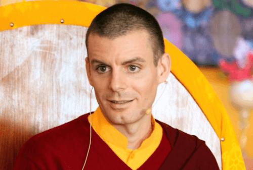 nuori buddhalainen