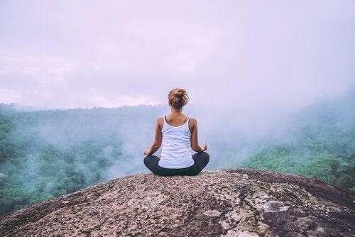 Meditointi voi auttaa negatiivisten tunteiden käsittelyssä