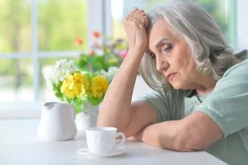 Kuinka unihäiriöt vaikuttavat neurodegeneratiivisiin sairauksiin?