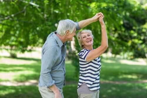 Uusi ikäkausi on tuonut iäkkäiden elämään uusia haasteita, mutta myös uusia mahdollisuuksia