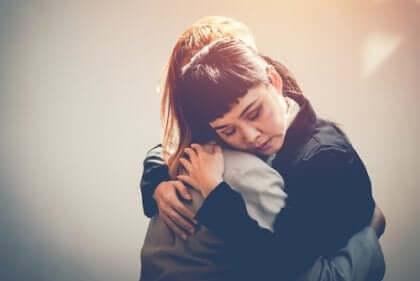 läheisen halaus