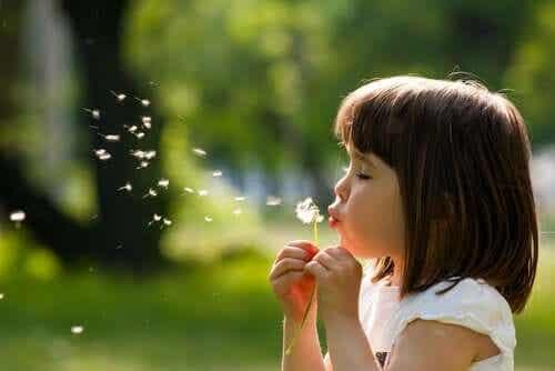 Lasten emotionaalinen kehitys