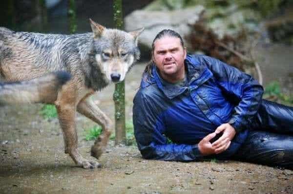 Shaun Ellis: mies susien keskuudessa