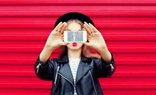 Esittelyn ja näyttämisen rooli sosiaalisessa mediassa