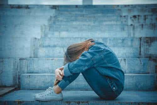 Henkinen riippuvuus nuoruudessa