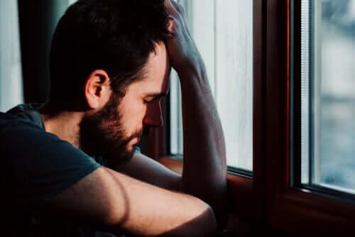 Kun ahdistus ottaa vallan, autopilotissa eläminen tekee elämästä pelkästään päivästä toiseen selviytymistä