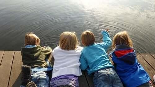 itsevarmat lapset ovat onnellisia
