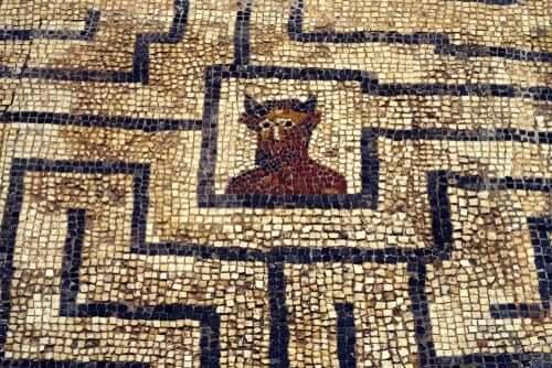 Minotaurus labyrintissä