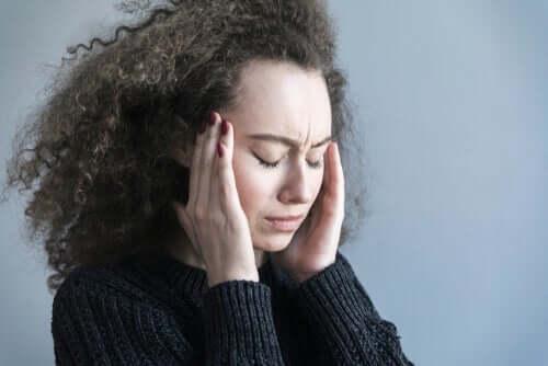 murehtiminen vaikuttaa aivoihin