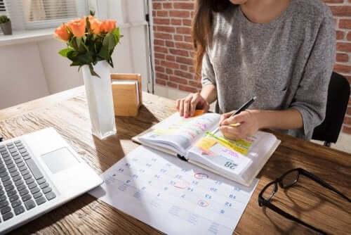 Järjestät aikataulusi paremmin käyttämällä kalenteria
