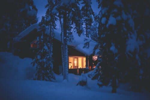 Tarina erilaisuudesta kertoo talosta, jossa on kylmä.
