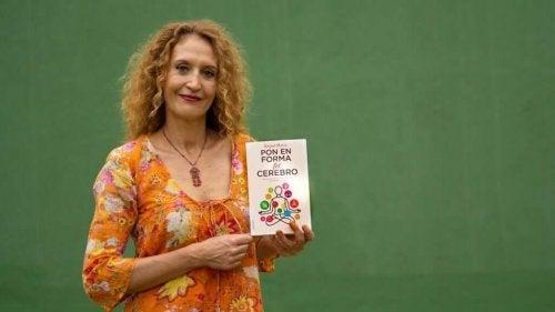 "Raquel Marínin teos ""Laita aivosi kuntoon""."