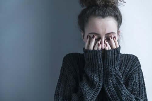 Skitsofrenia on monimutkainen sairaus, jota ei voida pelkistää yksinkertaiseksi diagnoosien manuaaliksi