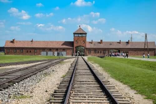 Puolassa sijaitseva Auschwitzin keskitysleiri