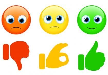 Liikennevalon kolme väriä opettavat lasta hallitsemaan tunteitaan