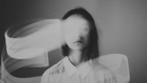 Sensorinen deprivaatio ja sen kauhistuttavat vaikutukset
