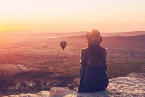 Ongelmien puute ei ole vakuutus onnesta, vaan pikemmin onnellisuus on pyrkimyksiä tehdä muutoksia sekä suvaita sitä epävarmuutta, joka voi aiheuttaa pelkoa