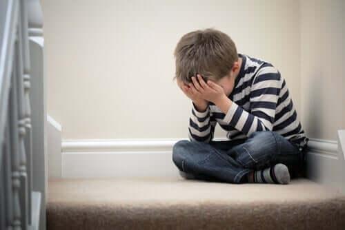 Koulupelko aiheuttaa ahdistusta.