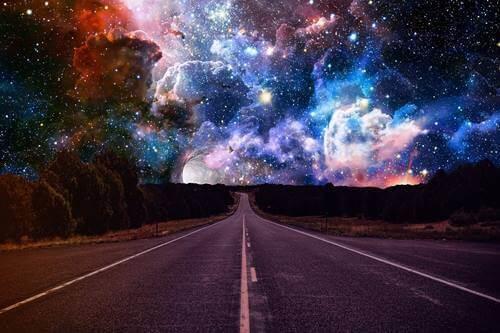 Sattumat ja mahdollisuudet odottavat tien päässä, maailmankaikkeudessa.