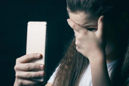 Grooming eli seksuaalisen hyväksikäytön valmistelu netissä on yhä yleisempää