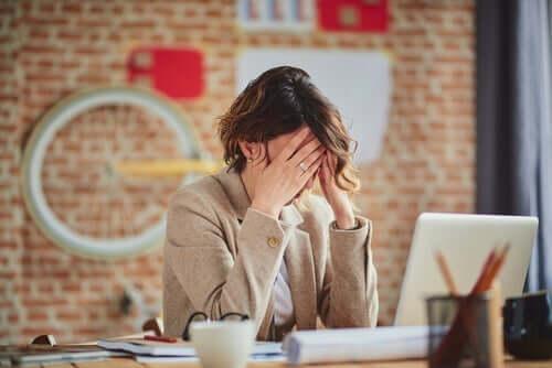 Stressaantunut töissä
