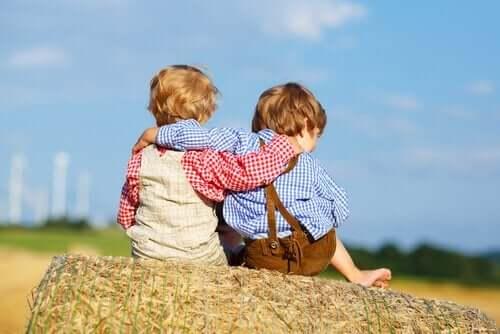 Anteeksipyynnön opettaminen tekee lapsesta empaattisemman