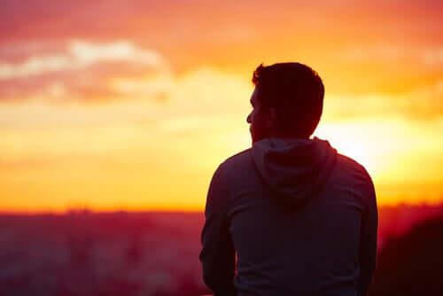 Traumaattisia tapahtumia läpi käyneet ihmiset eivät aina tiedä, miten menetetty onni voidaan saada takaisin
