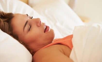 Naisten uniapnea