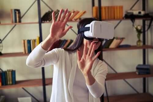 Virtuaalitodellisuus on uutta teknologiaa, jota voidaan hyödyntää neuropsykologisessa kuntoutuksessa