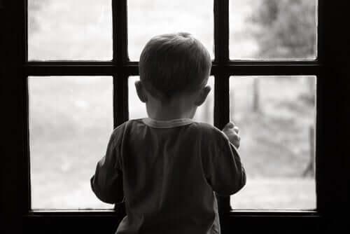Lapsuuden masennus pienellä pojalla.