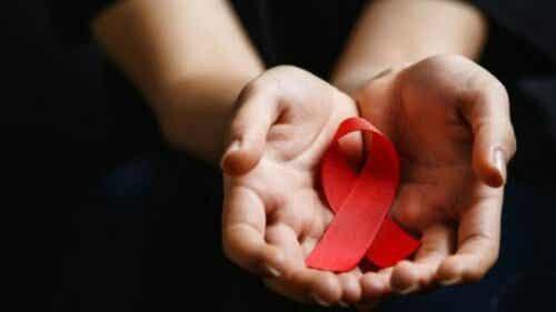 Maailman HIV-päivä: ehkäisy, tietoisuus ja sitoutuminen
