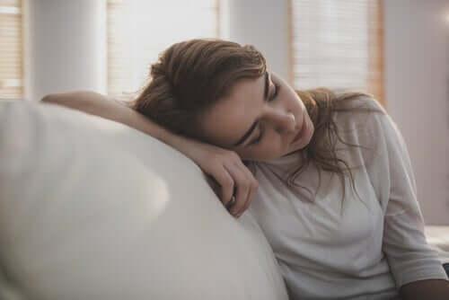 Reaktiivinen masennus on sairaus, josta naiset kärsivät miehiä todennäköisemmin