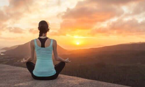 Strategioita ja tekniikoita mindfulnessin harjoittamiseen