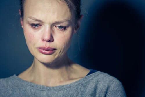 Epävakaasta persoonallisuushäiriöstä kärsivä potilas pelkää kritisoiduksi tulemista