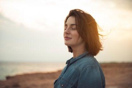 Itsensä hyväksyminen auttaa masennukseen