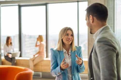 Kuinka puhua varmuudella: itseluottamuksen voima
