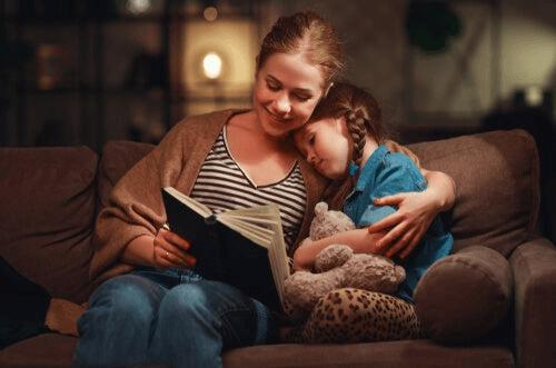 Hashtag #pysynkotona merkitsee mahdollisuutta viettää aikaa perheen parissa